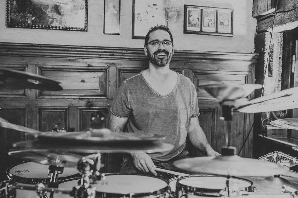 Schlagzeuger Matthias Lück gibt Schlagzeugunterricht in Hameln